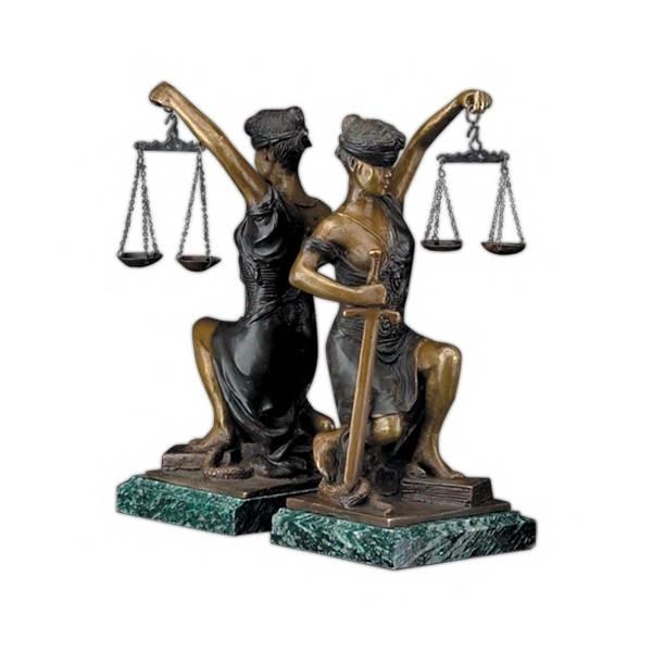 Для юриста подарок 11