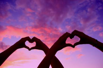Что подарить девушке на год отношений: оригинальные идеи подарков на годовщину для любимой.