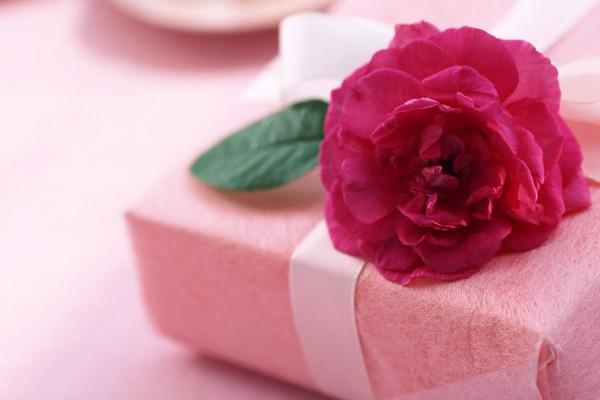 Что подарить девочке на день рождения на 13 лет от родственников и друзей?